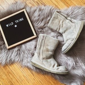 Ugg boots comfy cozy sand winter snow